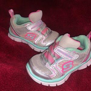 Toddler sketcher shoes